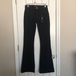 EXPRESS Mid-Rise Slim FLARE Jeans in size 0R